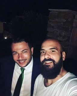 Γαμπρός... αλλά και φίλος @xipolitidis_dimitris #dimitrisandeiriniswedding #friends #tinos #island #wedding #music #fun #instagood #instagram #photo